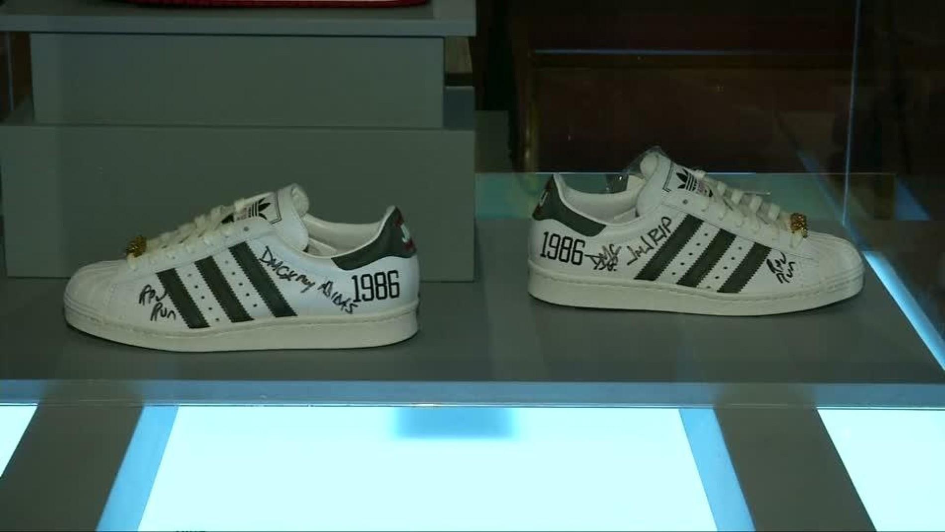 Turnschuh Ausstellung Brooklyn Museum Klassiker Sneaker Im Y5xqwd