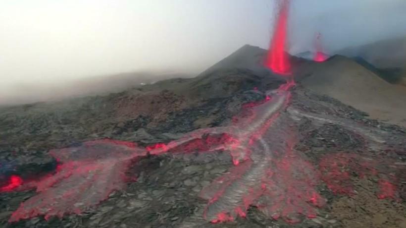 Vulkanausbruch Auf La Réunion ...
