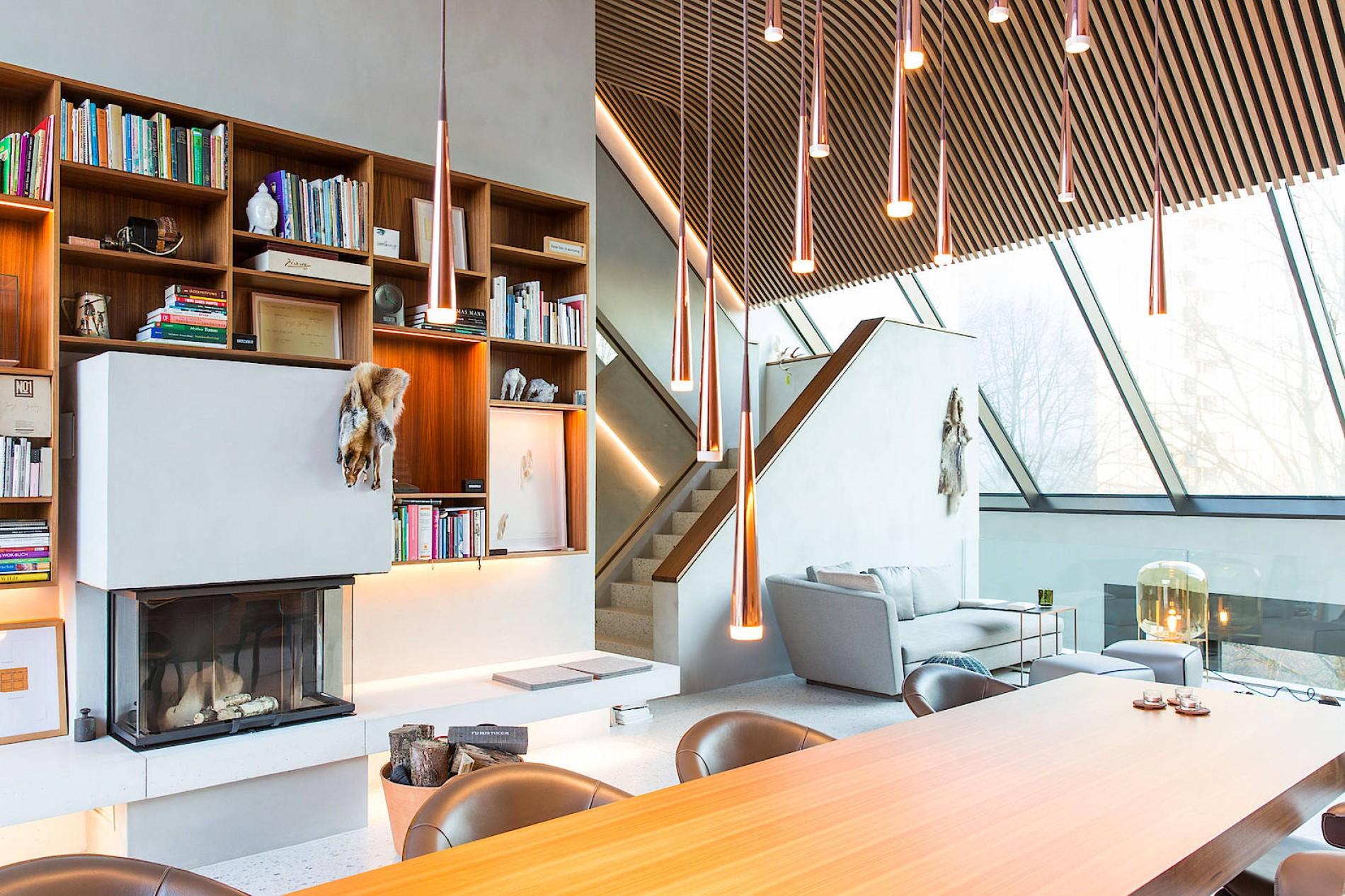 Neue Häuser: Monolith in bester Gesellschaft