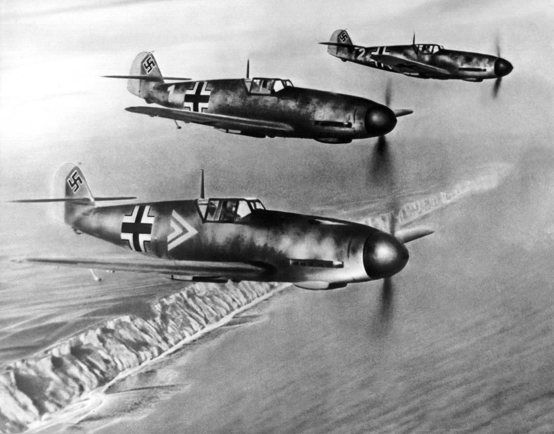 jagdflugzeug einfach zeichnen, das brüllen des luftkriegs kehrt zurück, Design ideen